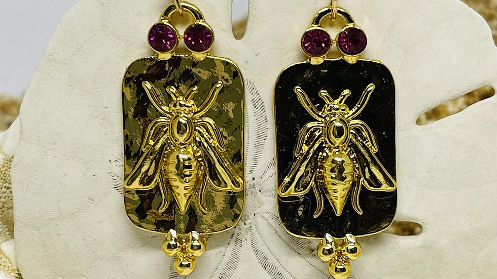 Bee earrings /nickle free