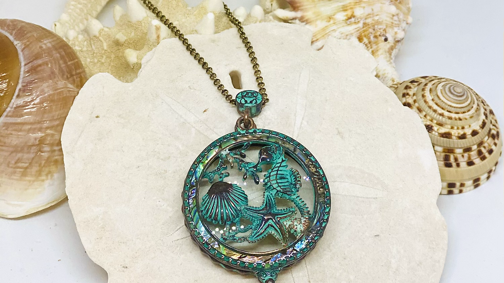 Coastal patina Magnifying glass necklace
