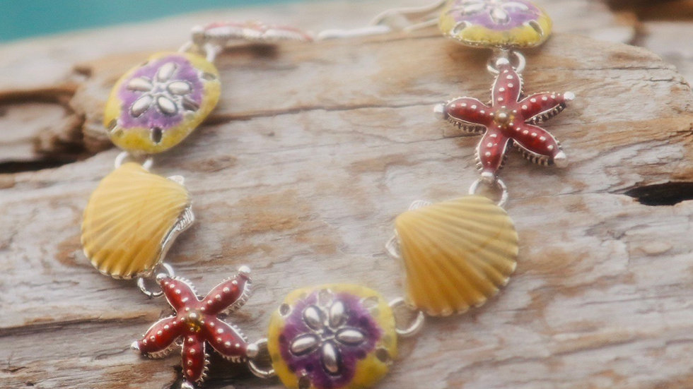 Starfish and shell bracelet  with metal clasp