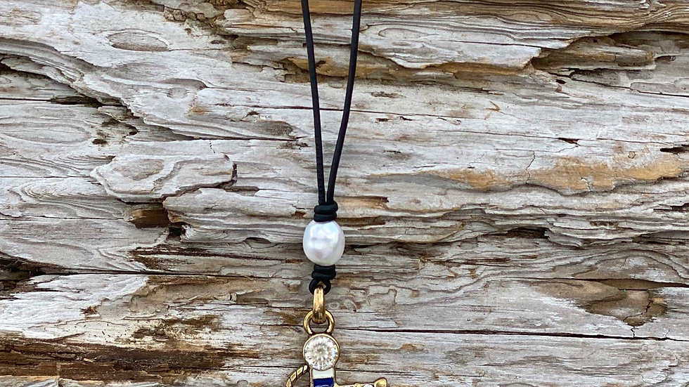 Anchor leather and fresh water pearls AAA grade