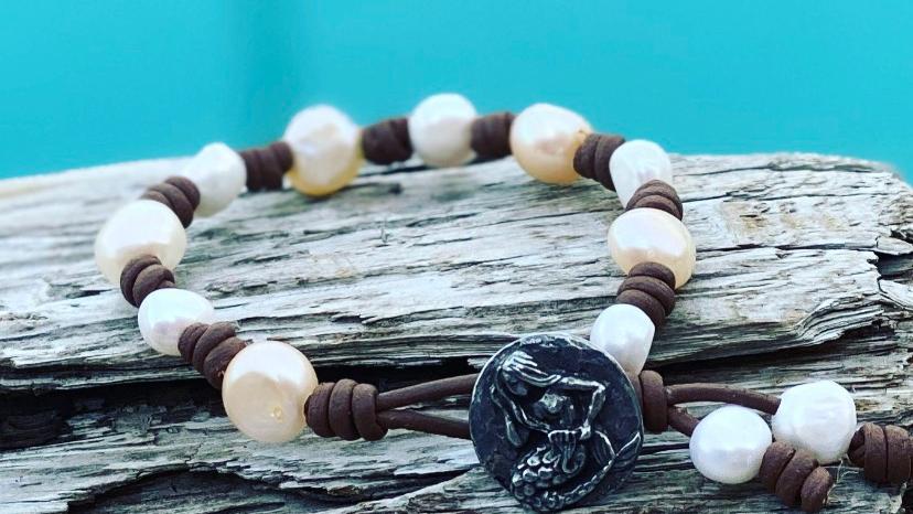 mermaid bracelet with freshwater pearls AAA
