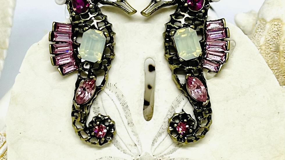 Beautiful seahorse earrings /nickle free