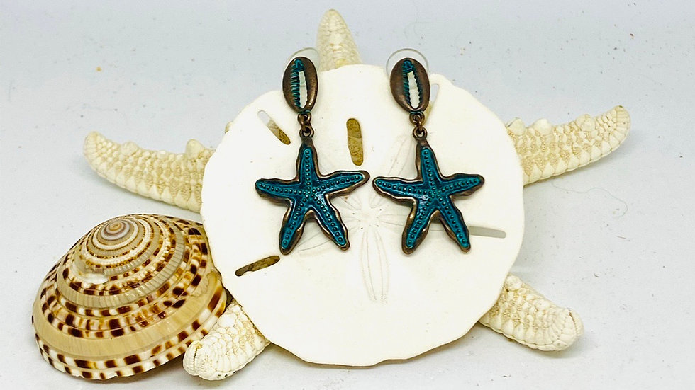 Cowrie and starfish earrings In Patina