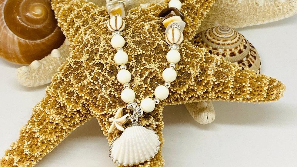Shell necklace 18inchs length