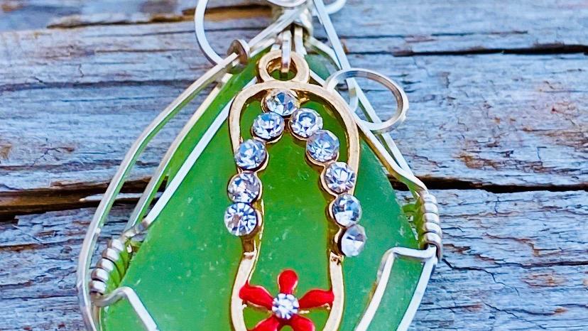 flip flop seaglass pendant