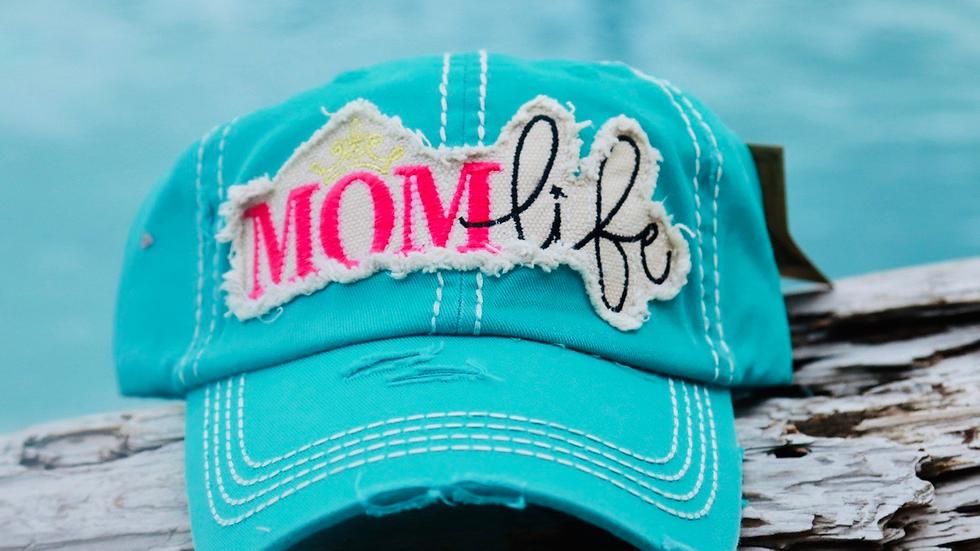 Mom life vinage cap