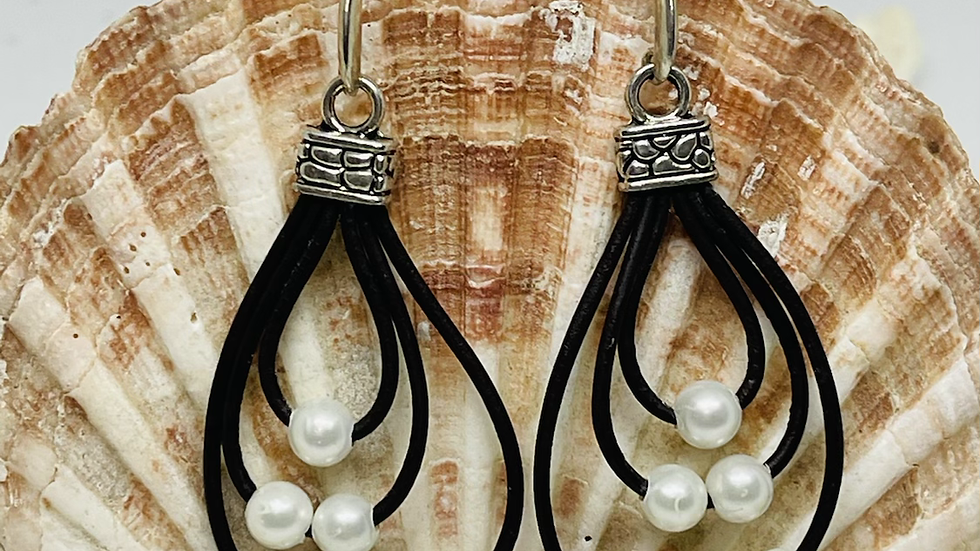 Black leather pearl earrings / nickle free