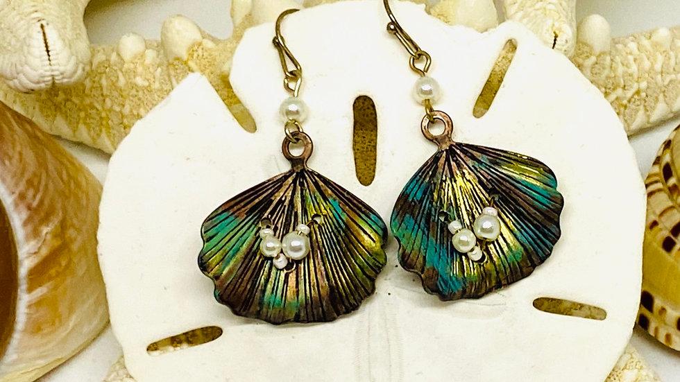 Patina shell earrings / 3 tone