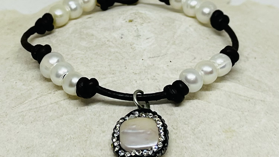 Beautiful black leather and pearl bracelet