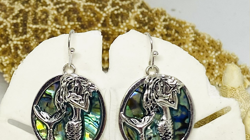 Mermaid earrings made with mother of pearl