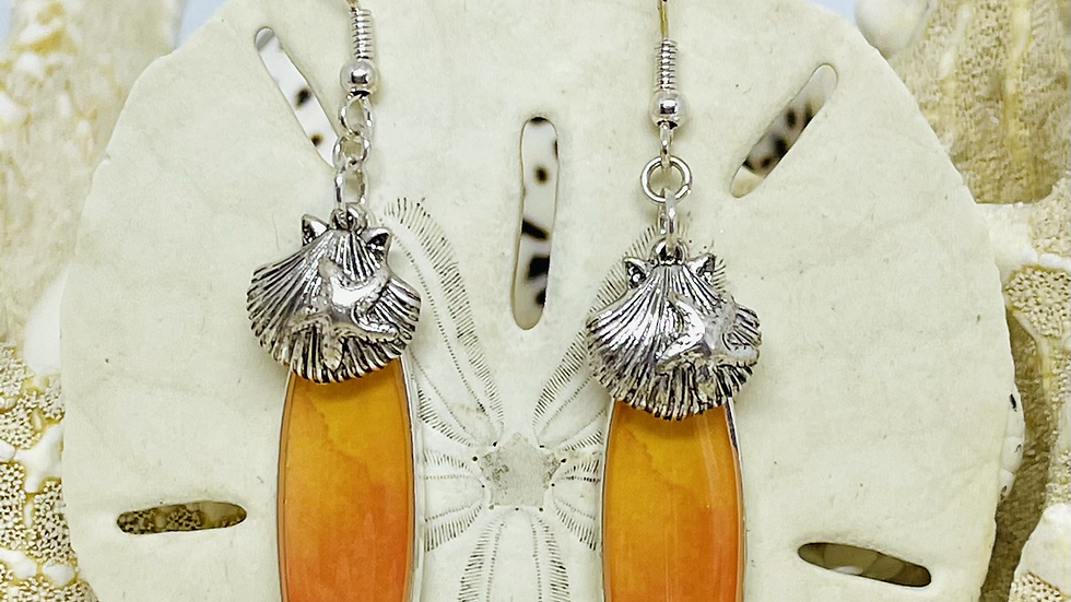 Surfboard and earrings with shells/nickle free
