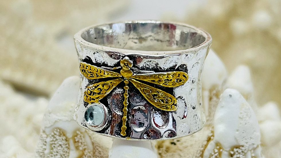 Two tone dragonfly ring/ size 9