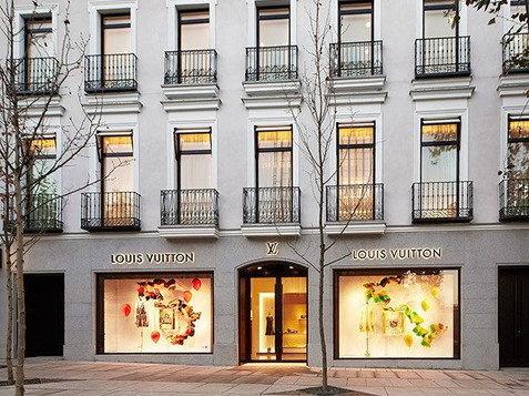 Louis Vuitton · Serrano