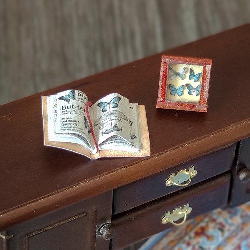 Set butterflies frame and book 1/12 miniature
