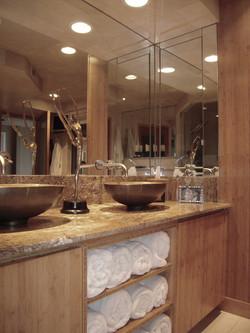 Portfolio Karyns bath  vanity view