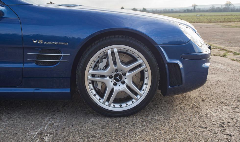 SL55 For Sale UK London  (18 of 36).jpg