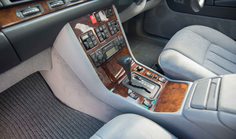 Mercedes 300SE (609 of 29).jpg