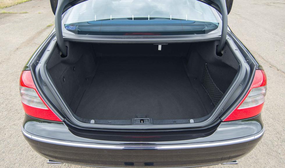 Mercedes W211 E350 (509 of 39).jpg