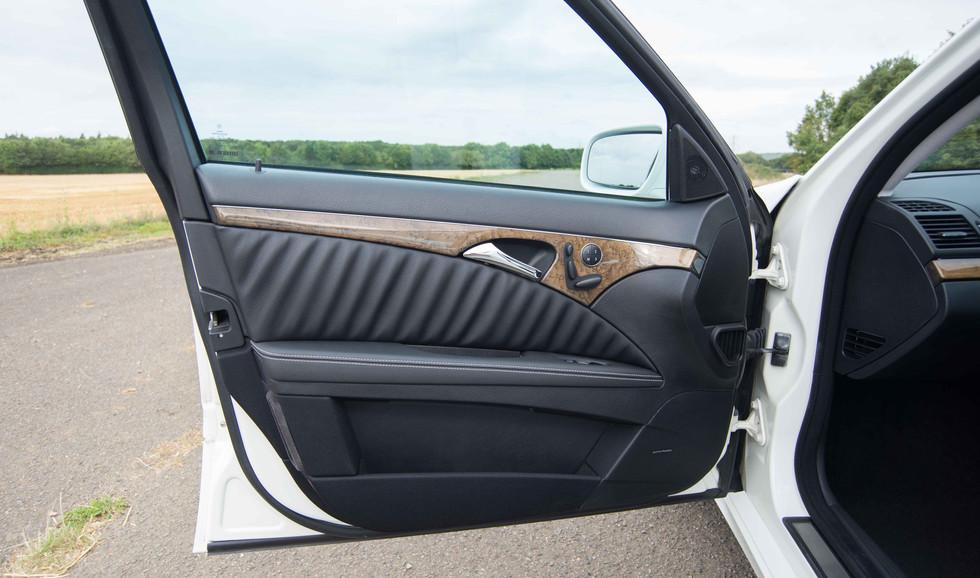 Mercedes E550 (616 of 41).jpg