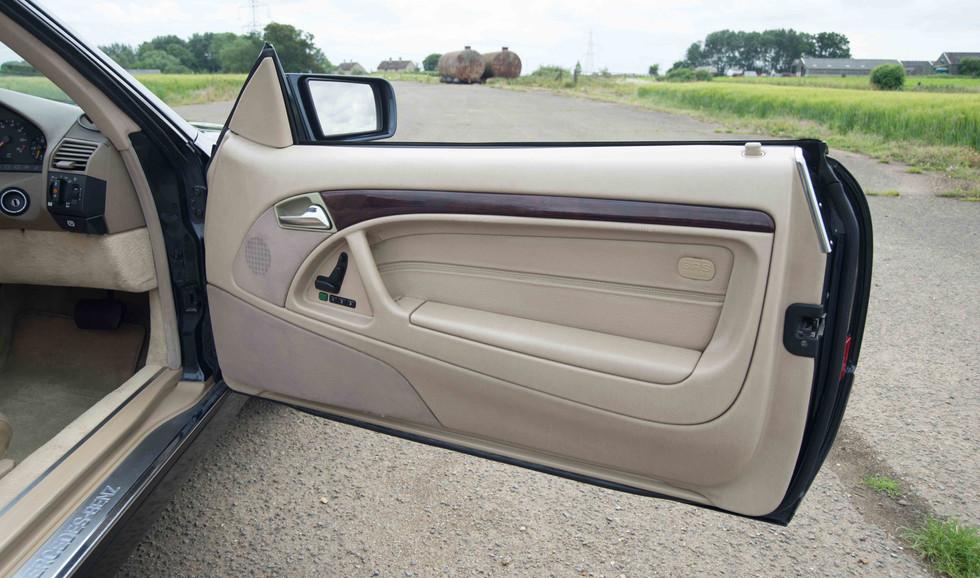 Mercedes R129 SL320 (519 of 24).jpg