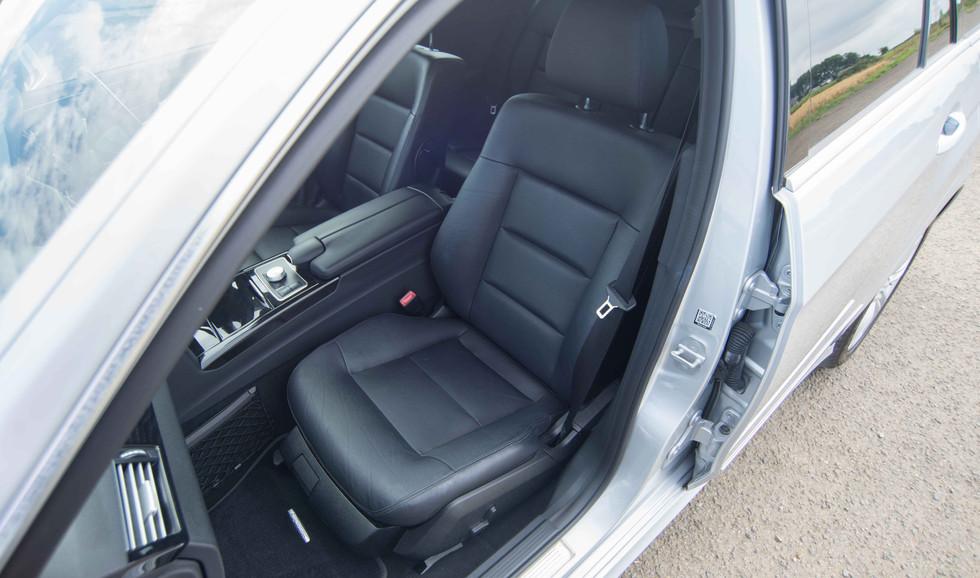 Mercedes E350 Bluetec (606 of 36).jpg