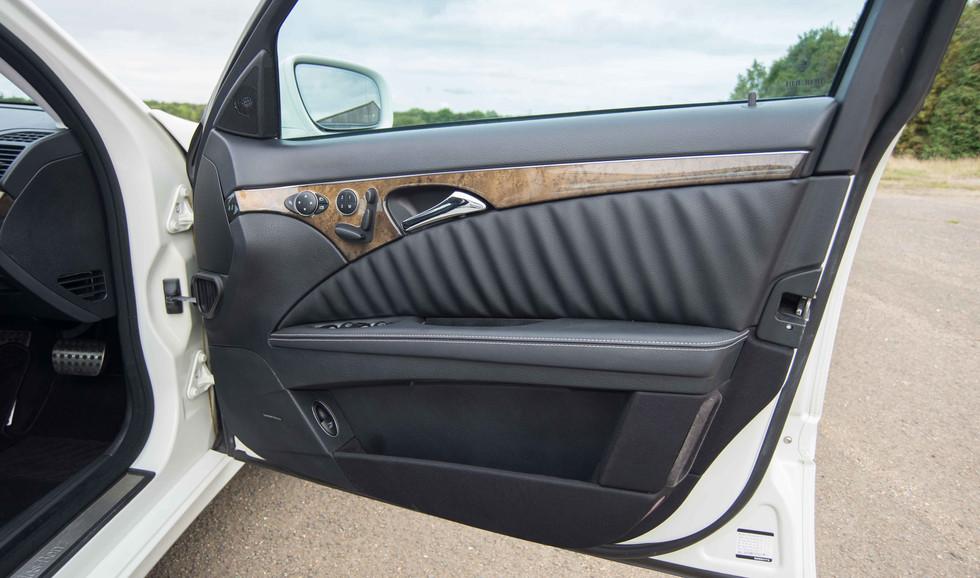 Mercedes E550 (606 of 41).jpg