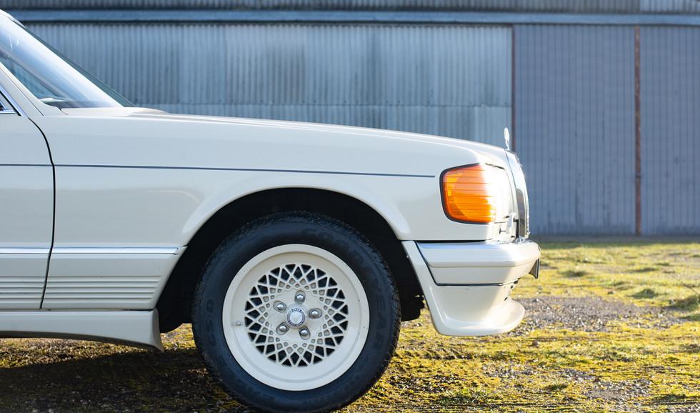 W126 Cream 500SEL for sale uk-9.jpg