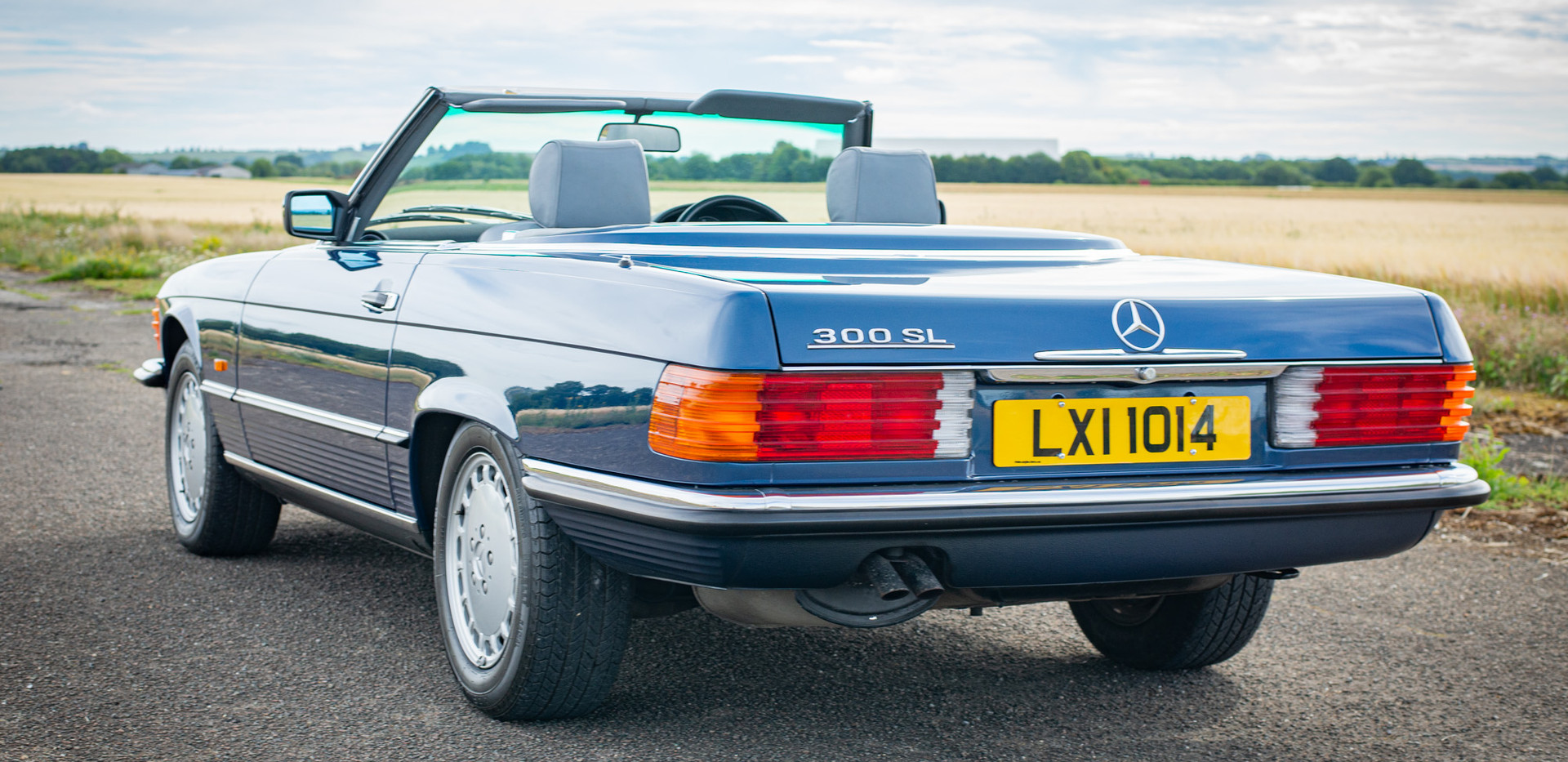 300SL 107 Blue for sale Uk london-13.jpg