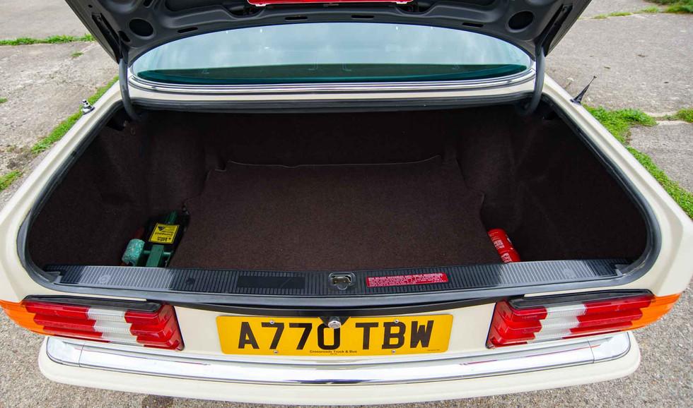 W126 500SEL For sale uk-26.jpg
