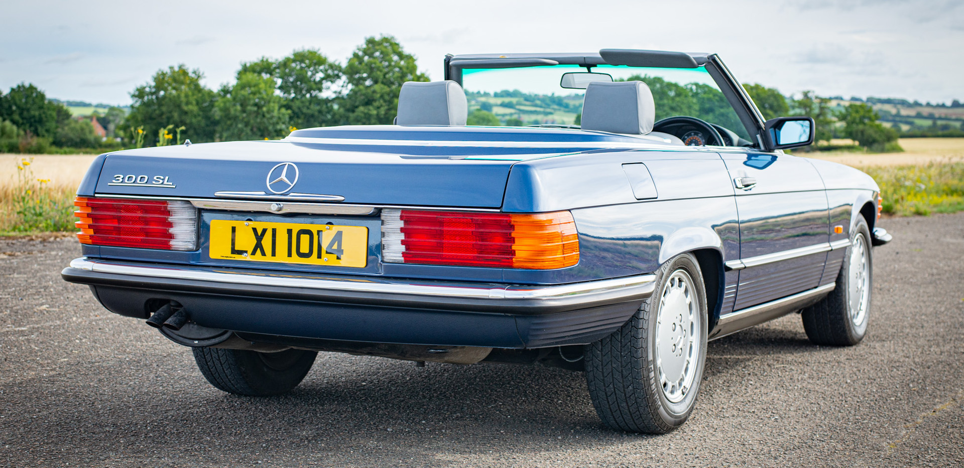 300SL 107 Blue for sale Uk london-16.jpg