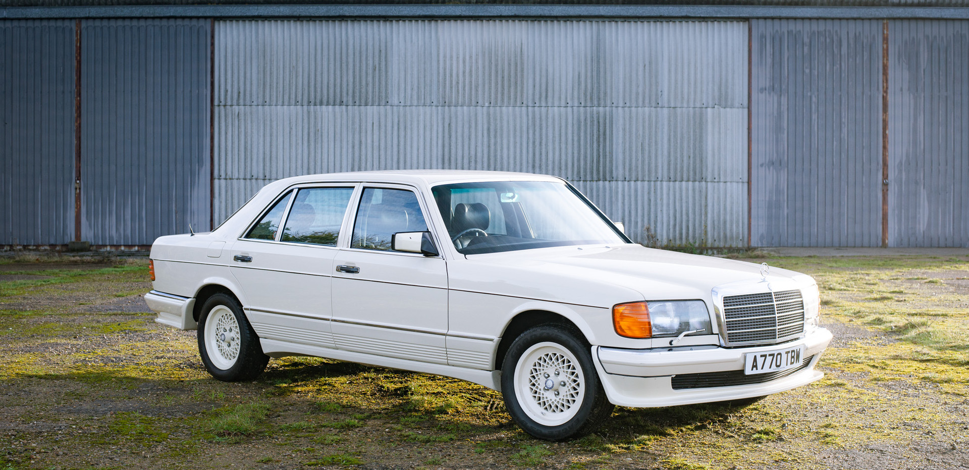 W126 Cream 500SEL for sale uk.jpg