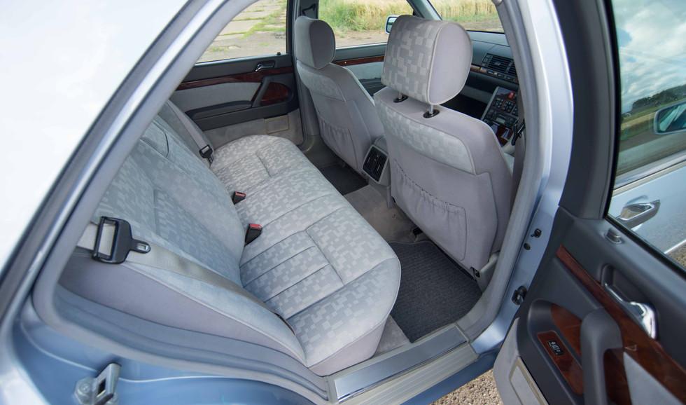 Mercedes 300SE (604 of 29).jpg