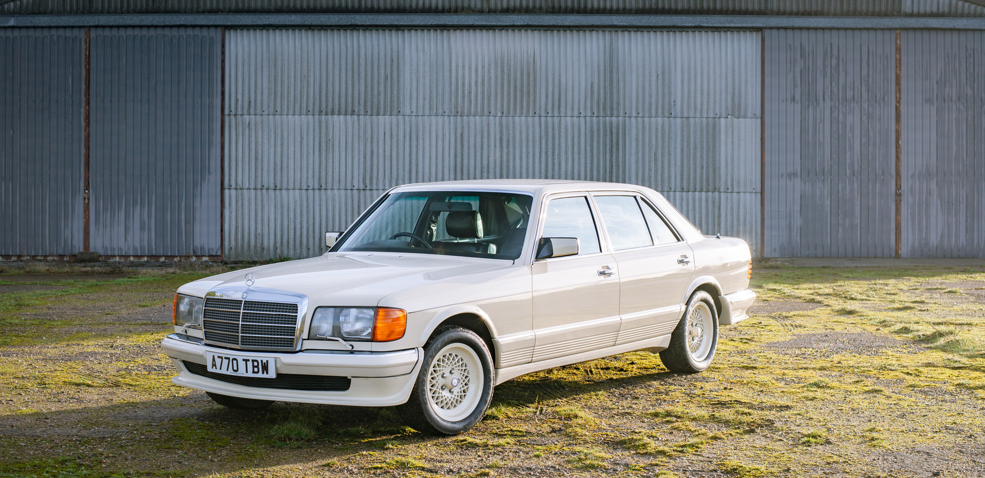 W126 Cream 500SEL for sale uk-3.jpg
