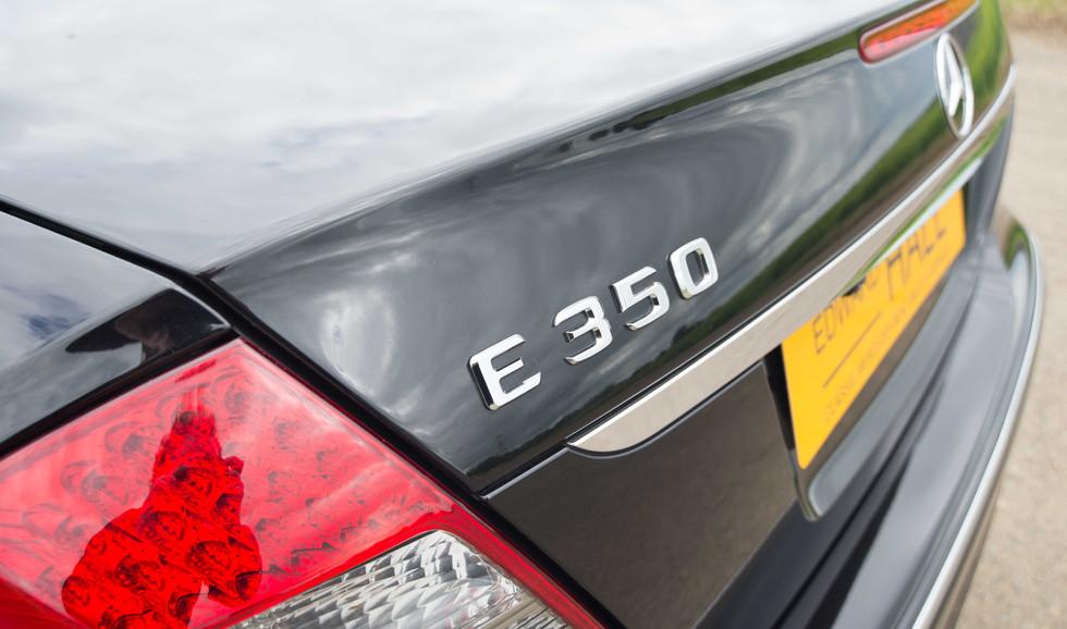 Mercedes W211 E350 (535 of 39).jpg