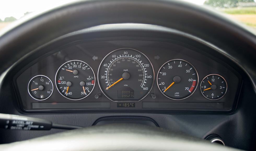 Mercedes SL320 (625 of 35).jpg