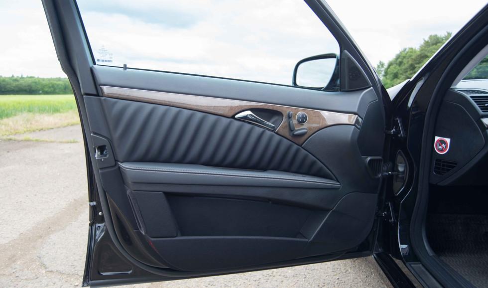 Mercedes W211 E350 (522 of 39).jpg