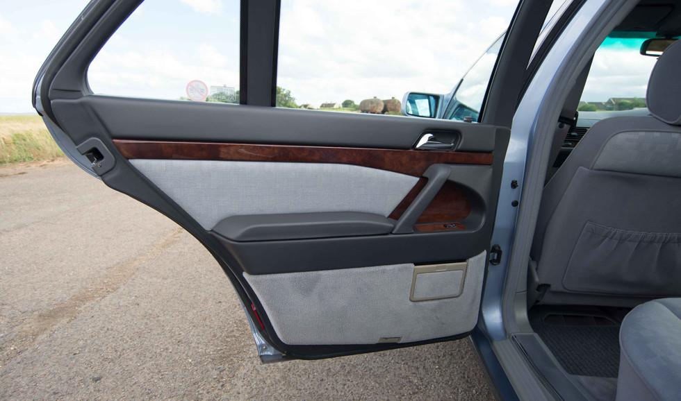 Mercedes 300SE (607 of 29).jpg