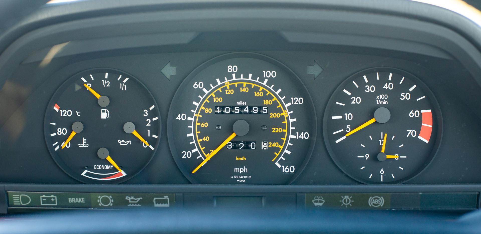 W126 420SEL E3TGW For Sale London-32.jpg