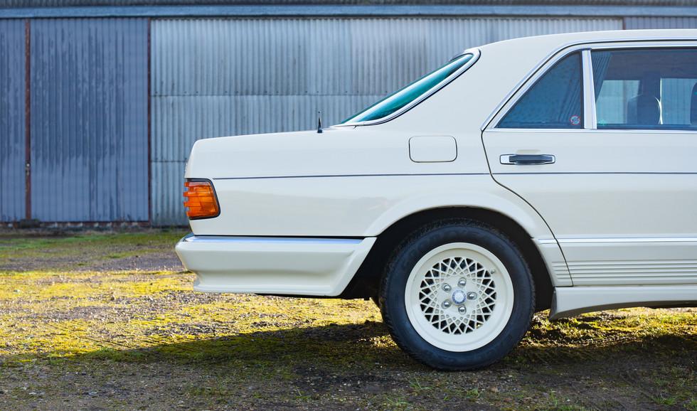 W126 Cream 500SEL for sale uk-10.jpg