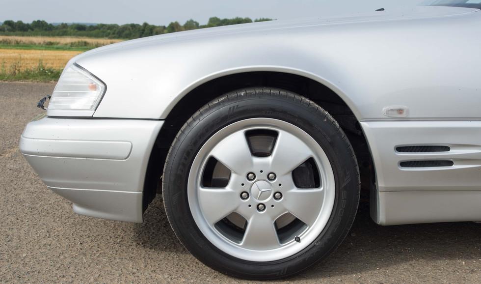 Mercedes SL320 (617 of 35).jpg