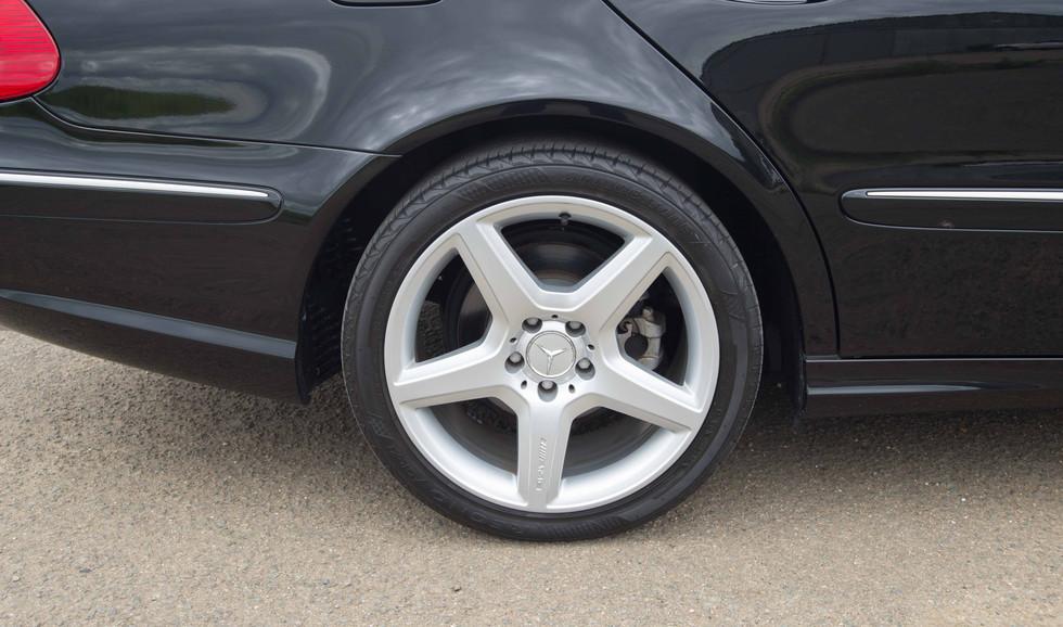 Mercedes W211 E350 (531 of 39).jpg