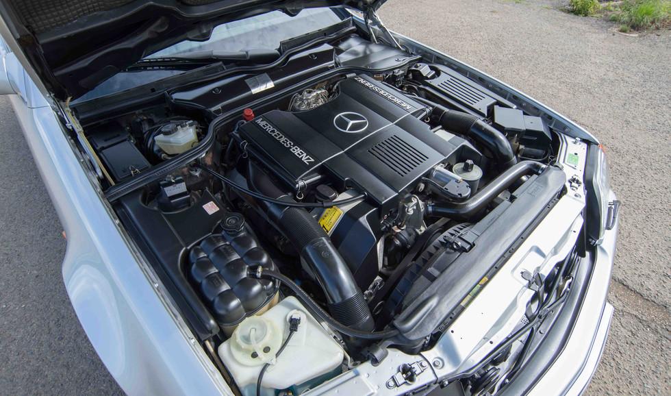 Mercedes R129 500SL (525 of 44).jpg