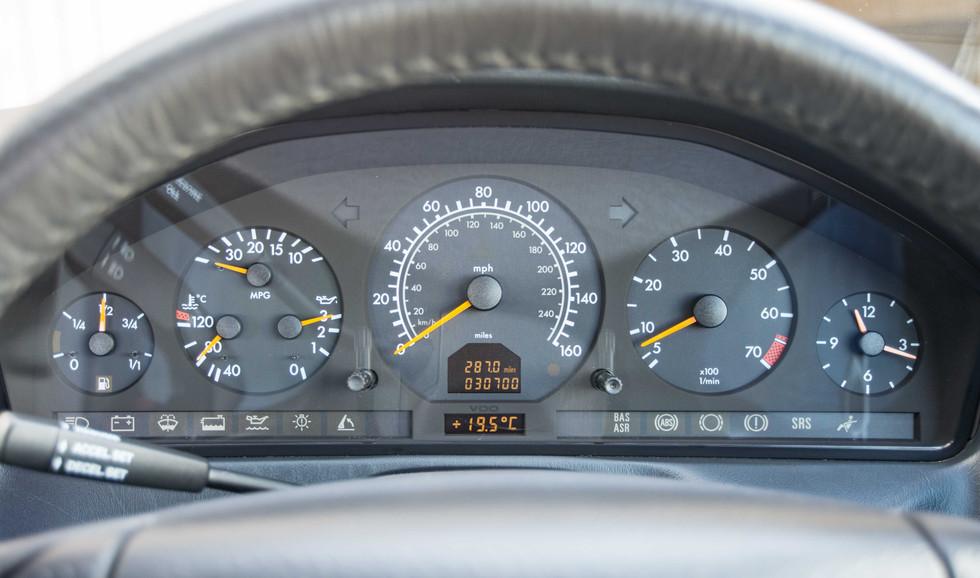 Mercedes SL320 (600 of 31).jpg
