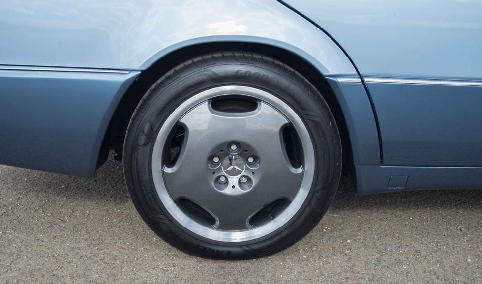 Mercedes 300SE (615 of 29).jpg