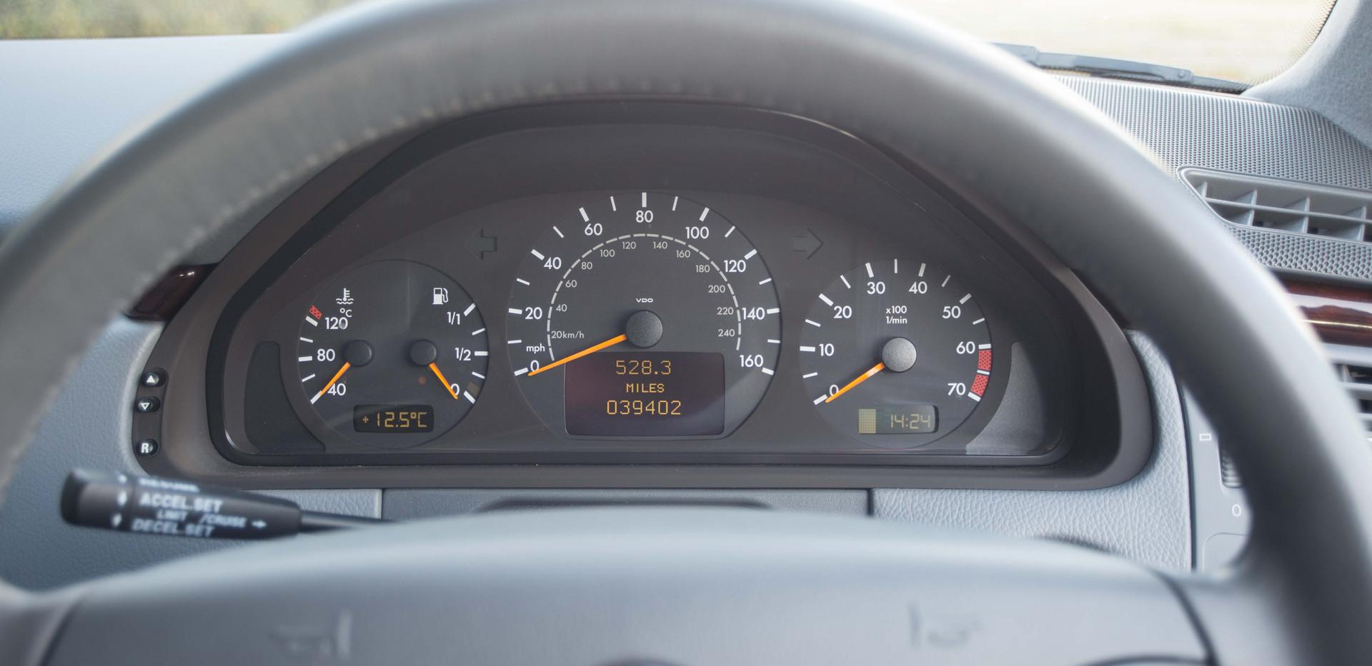 Mercedes E240 For Sale UK London  (57 of