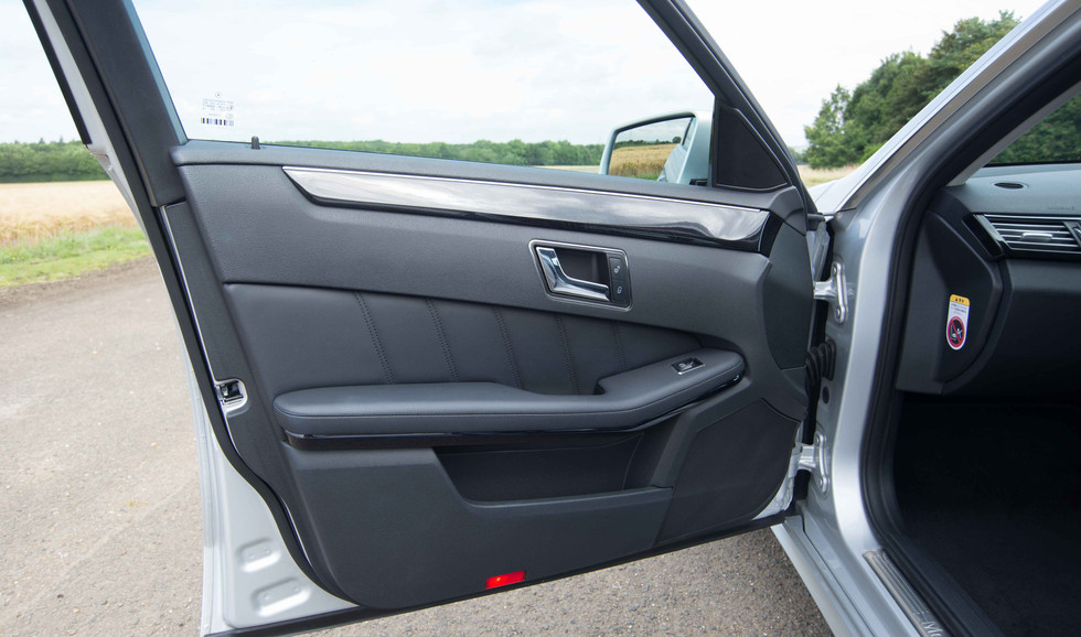Mercedes E350 Bluetec (605 of 36).jpg