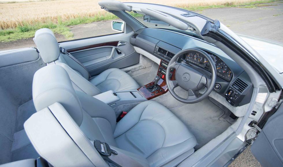 Mercedes SL320 (607 of 31).jpg