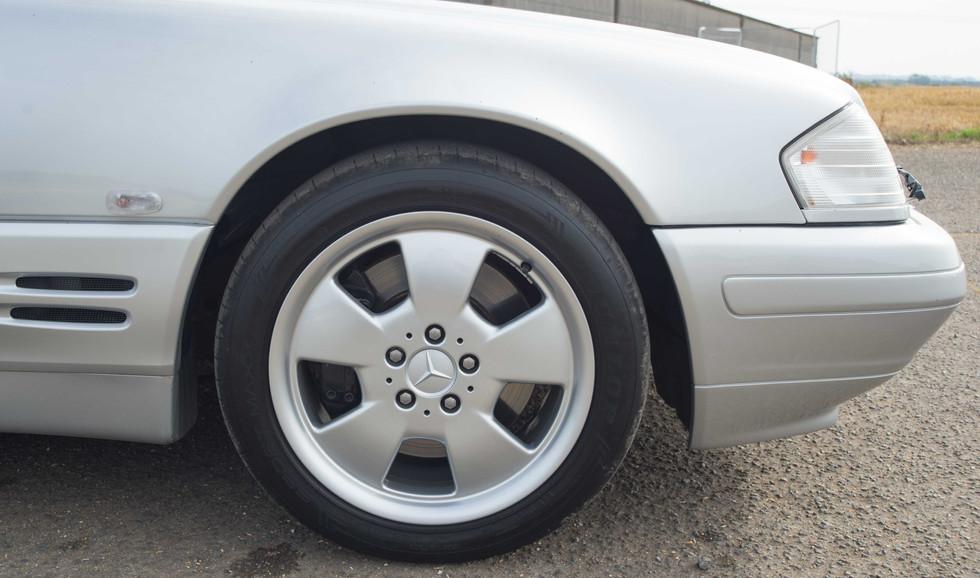 Mercedes SL320 (619 of 35).jpg