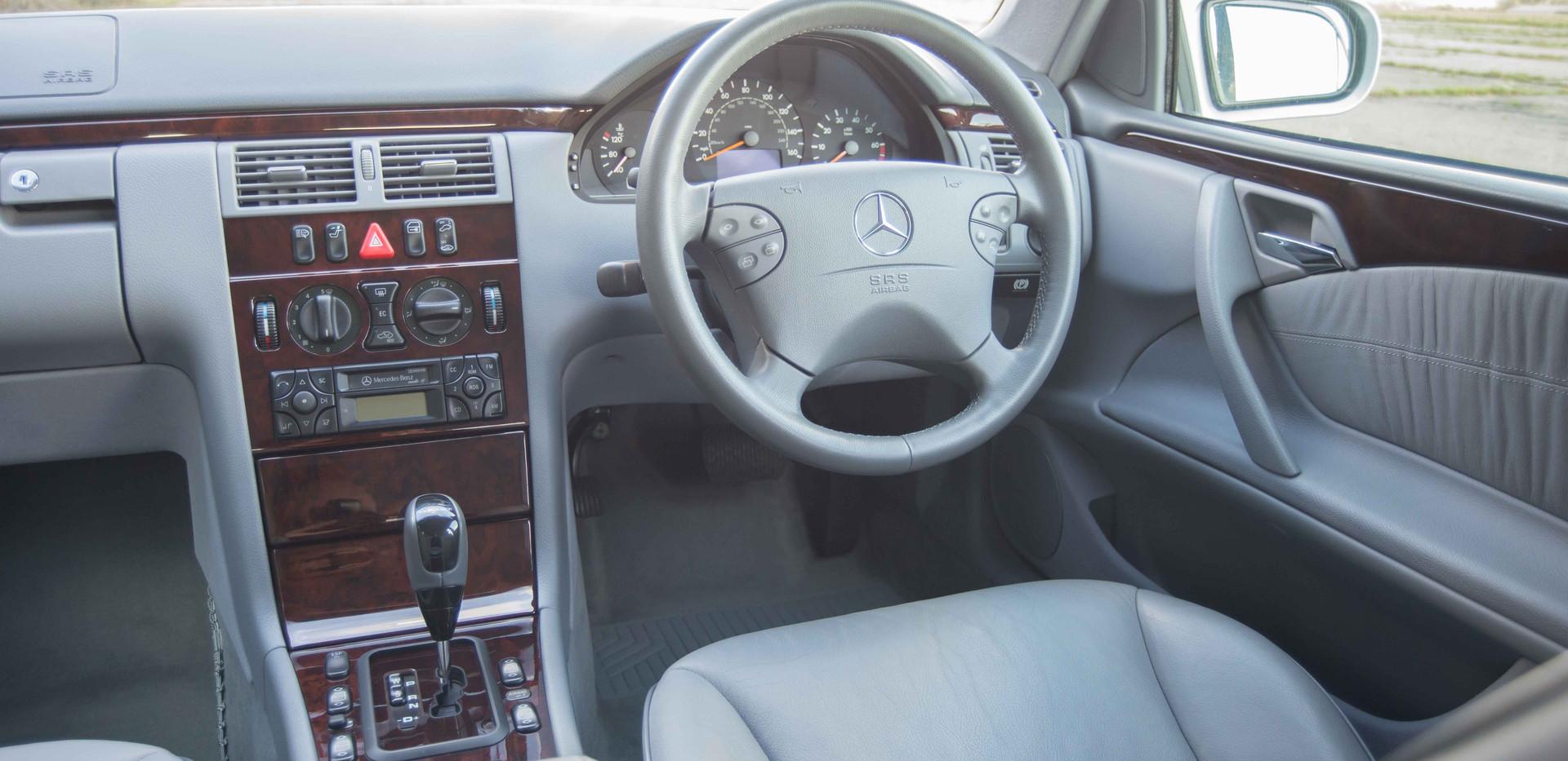 Mercedes E240 For Sale UK London  (61 of