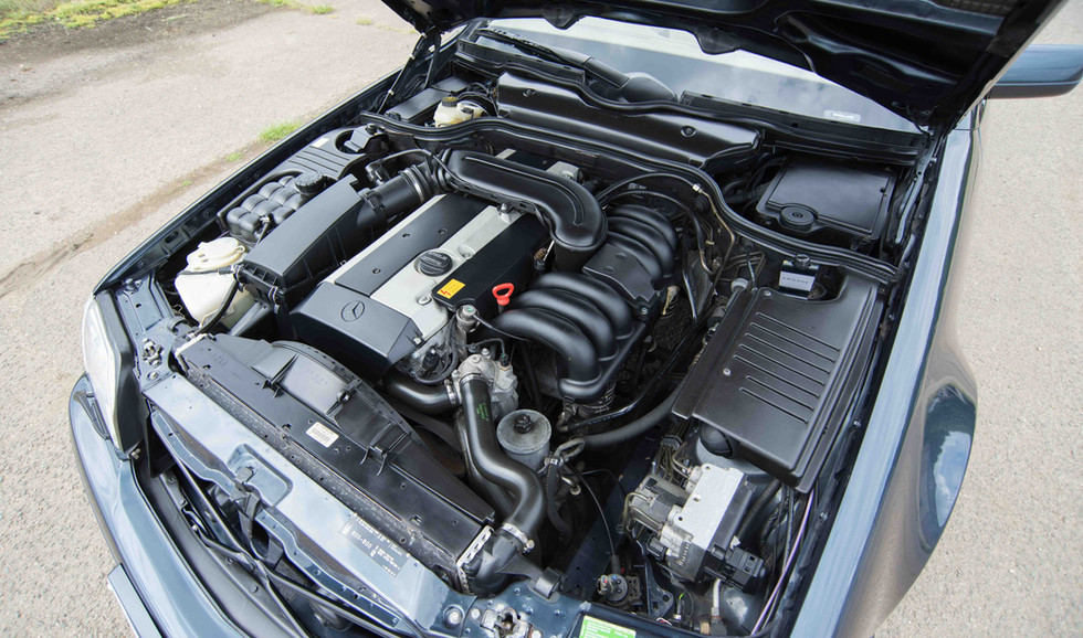 Mercedes R129 SL320 (509 of 24).jpg